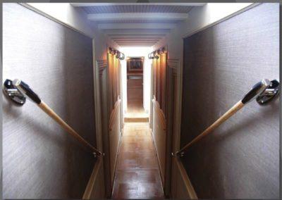 Compainonway-between-cabins