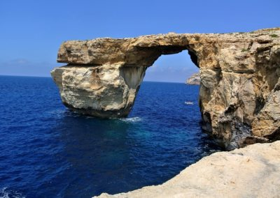 azure-window-2630574_960_720