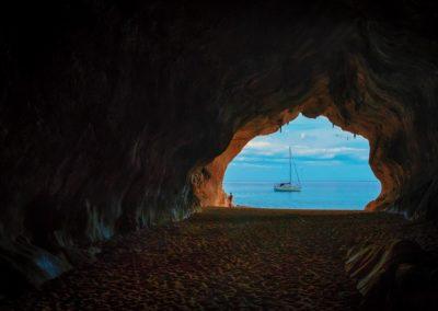 cave-2077979_960_720